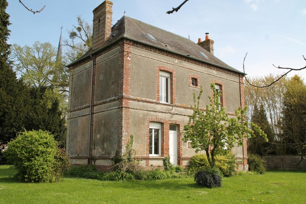 facade-arriere-presbytere-saint-eloi-de-fourques